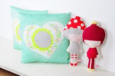 cushions and dolls - by PINKNOUNOU