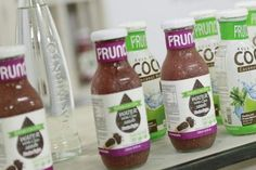 Fruit drink with chia seeds | Frunch - Coconut Water and Water chia - freeze-dried fruit snacks