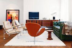 Un hogar para los amantes de los iconos del diseño mid century modern
