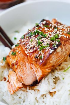 Honey Sriracha Salmon - easy, spicy, sweet, and savory, this glazed salmon recipe is awesome, from the SkinnyTaste cookbook | http://rasamalaysia.com