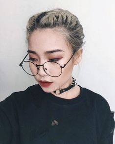 Chic And Stylist With Glasses, Look For This Inspirations - Nona Gaya Beauty Makeup, Hair Makeup, Hair Beauty, Korean Beauty, Asian Beauty, Korean Glasses, You Are My Moon, Korean Makeup Tutorials, Colourpop Cosmetics