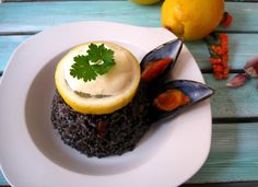 black rice with moules