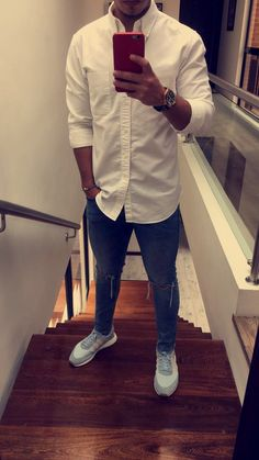 mens jeans at kohls White Outfit For Men, White Jeans Outfit, Stylish Mens Outfits, Casual Outfits, Men Casual, Blue Jean Outfits, Look Man, Herren Outfit, Fresh Outfits
