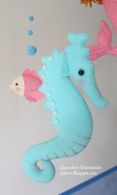"Nursery mobile ""under the sea friends"" - Seahorse"