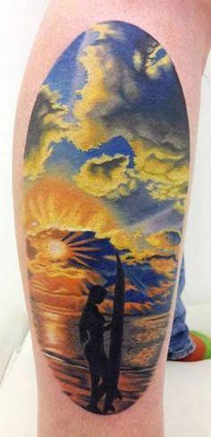 Pôr do sol deslumbrante do mar perna tatuagem http://tatuagens247.blogspot.com/2016/08/verao-quente-tatuagem-ideias.html