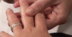 Της Τράβηξε το Μεσαίο Δάχτυλο για 20 Δευτερόλεπτα. Μόλις δείτε το λόγο, θα το Κάνετε και εσείς!