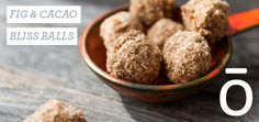 So easy and so yummy! Only 7 ingredients--These fig and cacao bliss balls are a healthy snack when you don't have a lot of time.