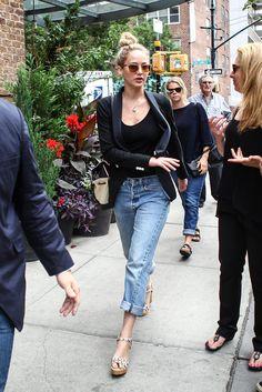 Jennifer Lawrence me encanta el look con los boyfriends.