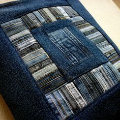 What to do with all the belt loops that you collect. Jean Crafts, Denim Crafts, Patchwork Quilt Patterns, Patchwork Bags, Blue Jean Quilts, Denim Quilts, Old Jeans Recycle, Quilted Gifts, Denim Ideas