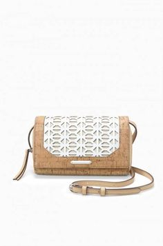 The Nolita Cork Crossbody Bag is the perfectly versatile cork purse and cork wallet! Stash your things in style with Stella & Dot.