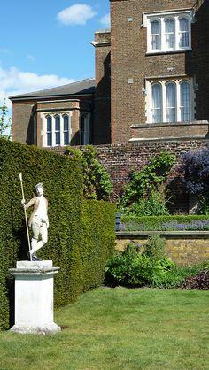 Fenton House in Hampstead Fenton House, English Manor Houses, Sunken Garden, North London, National Trust, Detached House, 17th Century, Castles, England