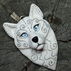 Морозный волк по мотивам Зимней волчицы) элемент ловца снов, размер 12 см, заказ #snorky #polymerclay #polymer_clay #handmade #wolf #whitewolf #white #ручнаяработа #полимернаяглина #волк#белыйволк #белый