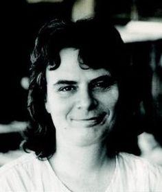 La matemática Karen Keskulla Uhlenbeck (1942-) nació un 24 de agosto