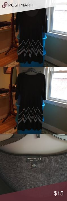 Black and Grey Sweater Dresd Black and Grey Sweater Dress. Size XL, 100% Rayon and worn once. Connected Apparel Dresses Midi