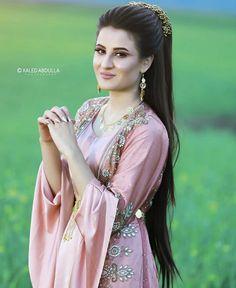 Dhoti Salwar Suits, Jli Kurdi, Half Shaved Hair, Central Asia, Muslim Fashion, Sari, Kurdistan, Culture, Beauty