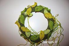 TANT GRÖN: Virka en midsommarkrans Grapevine Wreath, Burlap Wreath, Grape Vines, Ravelry, Crochet Patterns, Wreaths, Mars, Door Wreaths, March