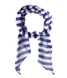 A cute way to rock the blue & white.
