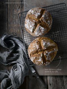 soda bread - foodstyling Dark Food Photography, Soda Bread, Food Backgrounds, Foodblogger, International Recipes, Bread Baking, Food Pictures, Food Styling, Bread Recipes
