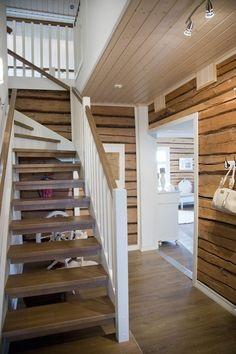 Attic Design, Interior Design, Minimalist Home Decor, Country Style, Tiny House, Mid-century Modern, Minimalism, Stairs, Cottage