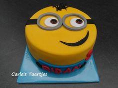 Minion Cake by Carla Del Sasso