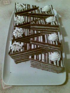 Cokoladove rezy s vanilkovym kremom - recept Baking Recipes, Dessert Recipes, Desserts, Czech Recipes, Cake Bars, Cake Decorating Techniques, Baked Goods, Great Recipes, Frosting