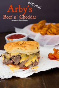 Arby& Beef N Cheddar Copycat. Arby's Beef N Cheddar Copycat Copykat Recipes, Beef Recipes, Cooking Recipes, I Love Food, Good Food, Yummy Food, Arbys Beef And Cheddar, Salads, Gastronomia