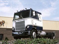 Mack Trucks, Big Rig Trucks, Semi Trucks, Model Truck Kits, Hot Black Women, Nissan Trucks, White Truck, Cruise, Vehicles
