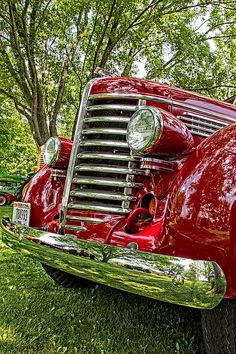 'Art deco' radiator grille of 1949 Diamond T 201 pickup truck. Diamond T Motor Car Company founded in Chicago merged with Reo as Diamond Reo Trucks in ceased manufacture in [jamezorlando] Cool Trucks, Big Trucks, Chevy Trucks, Semi Trucks, Antique Trucks, Vintage Trucks, Antique Cars, Custom Trucks, Custom Cars