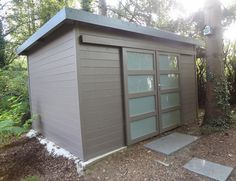 Amazing Shed Plans - cabane de jardin pour les outils - Now You Can Build ANY Shed In A Weekend Even If You've Zero Woodworking Experience! Start building amazing sheds the easier way with a collection of shed plans! Woodworking Shows, Woodworking Plans, Woodworking Templates, Woodworking Quotes, Modern Shed, Bike Shed, Wood Shed, Shed Homes, Garden Office