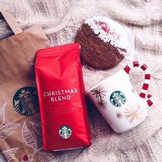 I Love the Starbucks christmas coffee Christmas Tumblr, Christmas Time Is Here, Christmas Mood, Merry Little Christmas, Christmas Treats, All Things Christmas, Christmas Decorations, Xmas Holidays, Winter Things
