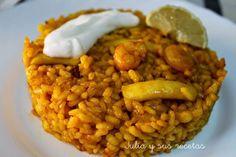 El arroz a banda es un plato típico de la zona costera de Alicante. Muy propio de pescadores.  Básicamente consiste en en coce...