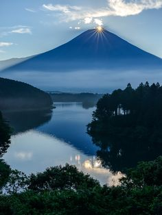 Diamond sunrise