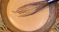 Une recette de pâte à crêpes facile à faire, ça vous dit ? C'est vrai qu'il est difficile de s'y retrouver, dans toutes les recettes qui sont proposées ici ou là. Alors, pour réussir à tou... Quebec, Easy, Pancakes, Kitchen, Desserts, Dit, Coups, Simple, Lunch Recipes