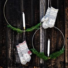 Julvanten: Del 3 Drops Design, Christmas Eve, Christmas Ornaments, Mittens, Ravelry, December, Wreaths, Knitting, Holiday Decor