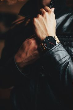 """themanliness: """" The Black Classic from MVMT Watches. Check out all the models . Mvmt Watches, Watches For Men, Nice Watches, Moda Formal, Daddy Aesthetic, Man Photography, Elegant Man, Classy Men, Boys Dpz"""