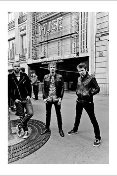 Can't wait to see @muse perform at the @iHeartRadio #Music Fest in #Vegas @Paula Blank Express @MGMGrandMuse perfection | #Muse This picture is taken by Hans-Peter van Velthoven.