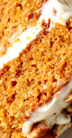 Easy Carrot Cake recipe with cream cheese frosting will become your new favourite recipe! Fluffy and moist homemade carrot cake recipe. Best Cake Recipes, Dessert Recipes, Favorite Recipes, Easter Recipes, Amazing Recipes, Cupcake Recipes, Homemade Carrot Cake, Easy Carrot Cake, Cake Frosting Recipe