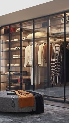 Poliform modern wardrobe collection claims prominence in the night area. Italian furniture design in modern and contemporary style.