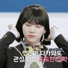 SỐC: Thành viên ngầu nhất BTS quá xinh đẹp khi hóa thành nữ sinh!