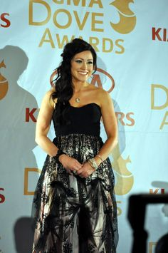 Kari Jobe <3 So happy she won a dove award:)