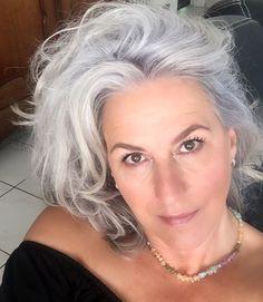Grey Hair Don't Care, Long Gray Hair, Silver Grey Hair, Pelo Color Plata, Mature Women Hairstyles, Grey Hair Looks, Silver Haired Beauties, Grey Hair Inspiration, Salt And Pepper Hair