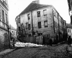 Post war photo of the ruins of Szklana St in the Vilna ghetto / Stiklių g Lithuania Travel, Real Monsters, History Photos, Historical Photos, Wwii, Past, Postwar, Europe, City