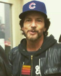 Eddie Vedder always a Chicago Cubs fan