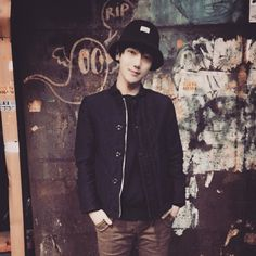 Yesung Yesung, Siwon, Heechul, Korean Pop Group, Kim Kibum, Super Junior, Riding Helmets, Bomber Jacket, Denim