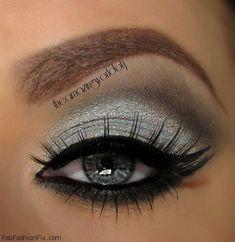 to do silver smokey eye makeup tutorial? Silver smokey eye with cat eyeliner makeup inspiration.Silver smokey eye with cat eyeliner makeup inspiration. Beautiful Eye Makeup, Pretty Makeup, Love Makeup, Makeup Tips, Makeup Ideas, Dress Makeup, Makeup Trends, Makeup Tutorials, Makeup Meme