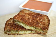The Garden Grazer: Grilled Cheese with Pesto.just use GF bread :-) Vegan Recipes Easy, Vegetarian Recipes, Cooking Recipes, Yummy Recipes, Protein Recipes, What's Cooking, Cooking Time, Recipies, Pesto Grilled Cheeses