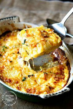 Roasted Garlic & Caramelized Onion Potatoes Gratin Dauphinoise - Happily Unprocessed Alina Nois alinanois Vegetarian recipe drawer Alina Nois alinanois Roasted Garlic & Caramelized Onion Potatoes Gratin Dauphinoise - Happily Unprocessed Ve Garlic Recipes, Potato Recipes, Vegetable Recipes, Vegetarian Recipes, Cooking Recipes, Healthy Recipes, Healthy Food, Potato Side Dishes, Vegetable Side Dishes