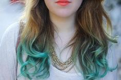 Fuck yeah, we love coloured hair! Blue Tips Hair, Hair Color Blue, Blue Hair, Hair Colors, Colours, I Like Your Hair, Dyed Tips, Pelo Bob, Turquoise Hair