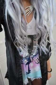 My silver hair was fun while it lasted :/ (This outfit is seriously fantastic though!)