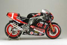Suzuki GXR-R race motorfiets